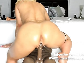 'Up Close View Of Mom MILF Making Her Pussy Squirt and Cream'