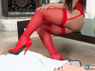 Cocksucking Bella Blue gets jizzed on her red stockings