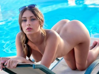 Poolside Pleasures: Ukranian Stunner Splays and Plays
