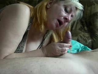 Sons Fucks his Hot Stepmom in the Bedroom!