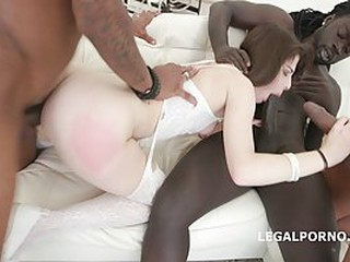 Black guys are fucking Sara Bell at the same time, because she asked for it, nicely