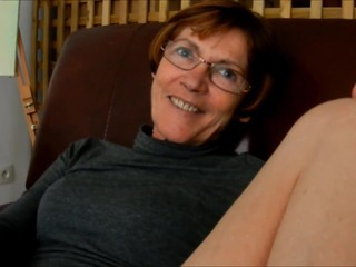 Granny Clarill open up legs and smile to boyfriend