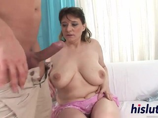Chubby Beata side fucked and gets cum on her hairy mature snatch