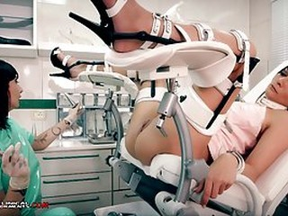 Kinky nurse, Minerva is playing with Valentina Bianco, while they are alone in the office