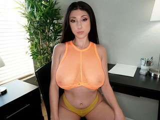 Busty Dylan Vox Blows So Good
