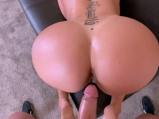 Puertorican milf with huge ass fucks