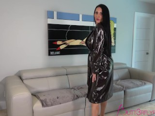 Rae Knight In Sexy Wife Dancing Tease Before Going To The Club