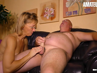 HAUSFRAU FICKEN, Amateur German Wife's Pussy Pleased By Her Man