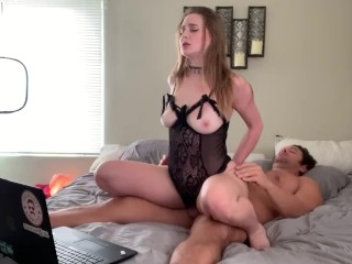 Beautiful college cam girl takes hung stud live on cam